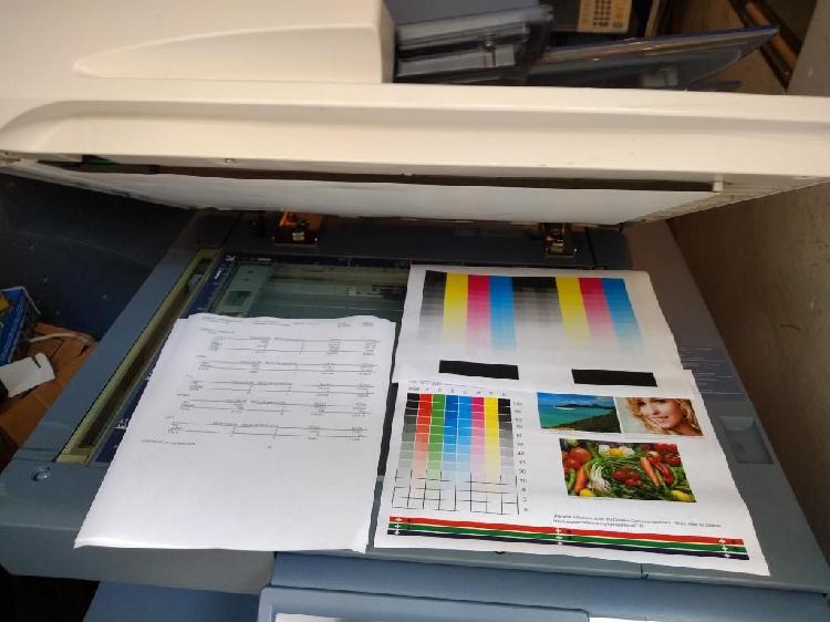 Fotocopiadora negro y color