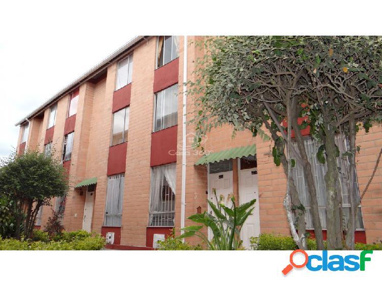 Venta casa conjunto residencial el trébol mz13