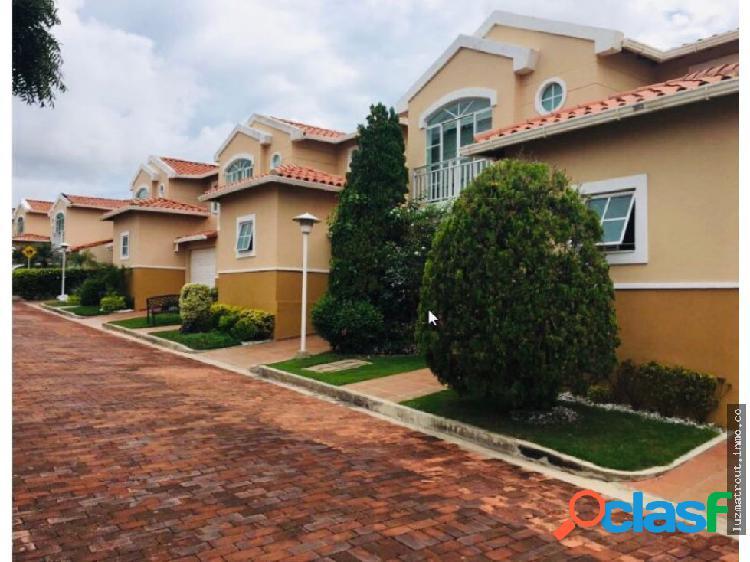 Casa conjunto en venta, 4 habitaciones