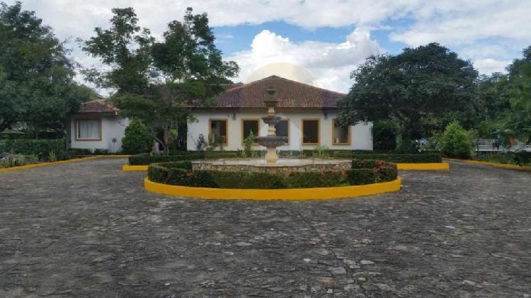 Casa campestre con complejo turístico yopal