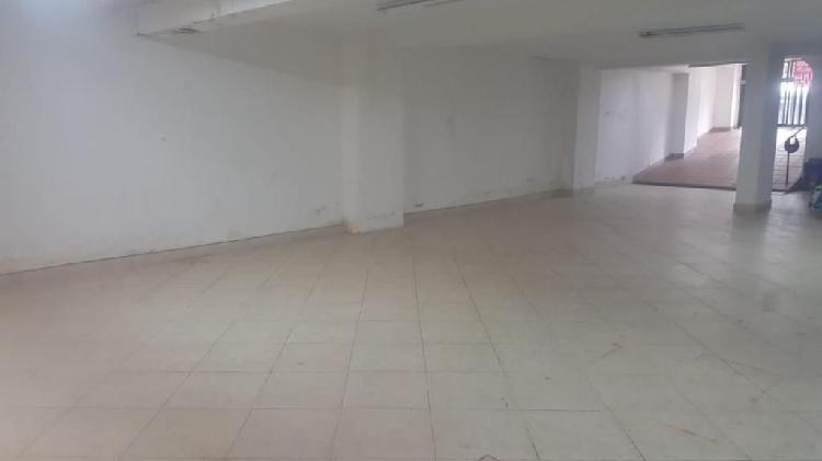Local comercial en arriendo sector laureles cod.3204a