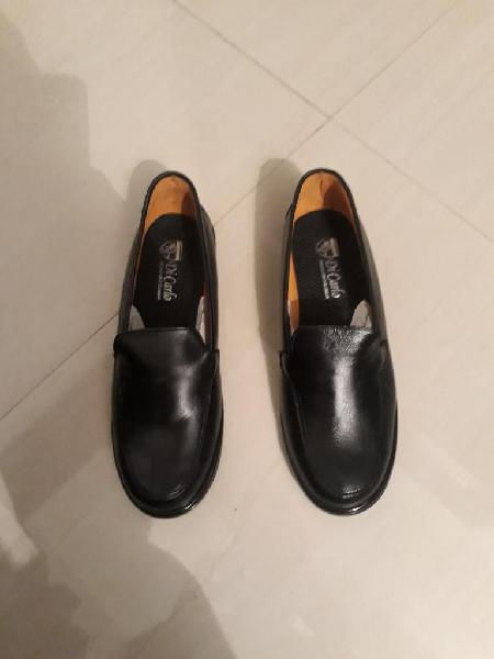 Zapato negro mujer