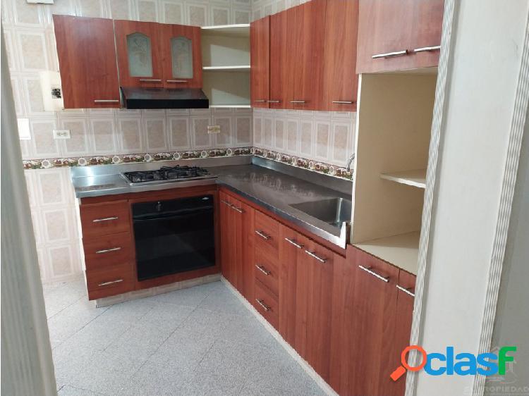Apartamento clásico, cómodo y tranquilo