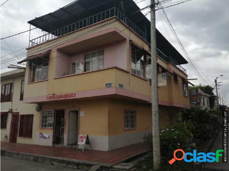 Vendo casa muy grande en quimbaya