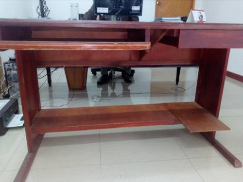 Muebles oficina usados mesas para computador madera