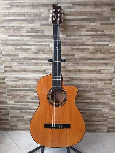 Guitarra Acústica Con Estuche Original Santandereana Nueva