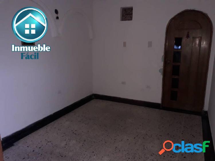 Casa en SECTOR BELLOSO 2 plantas, Centro de la Ciudad 3