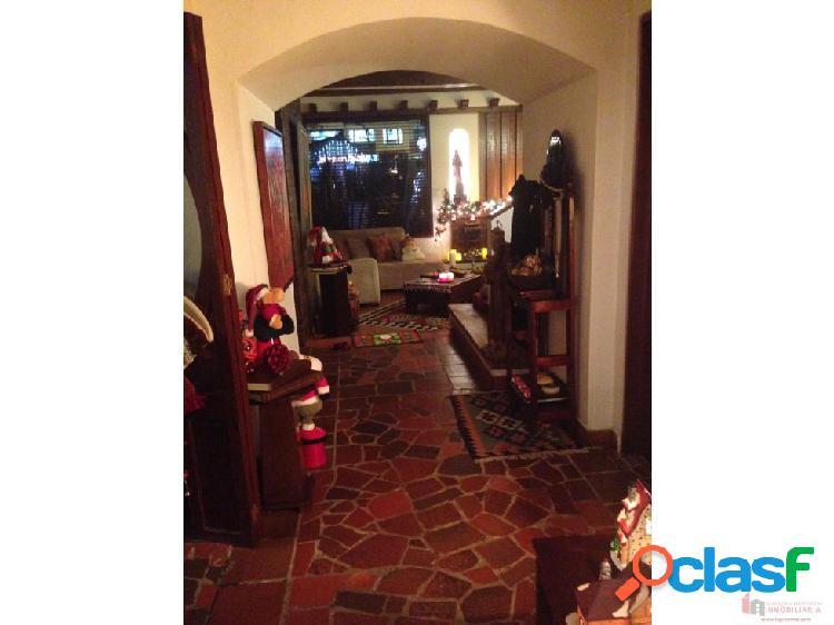 Casa en venta en Cedritos - Remodelada