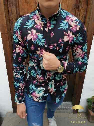 Camisa manga larga hombre slim fit negra flores rosa deluxe