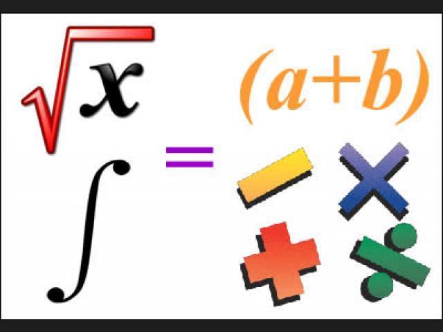 Profesor de matemáticas dicta clases de calculo, algebra