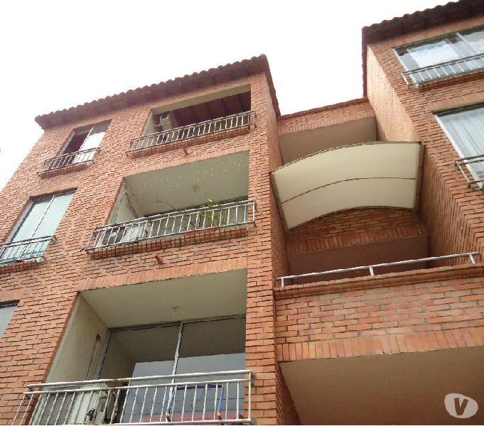 Apartamento en la av. libertadores, prados norte 2 habitaci