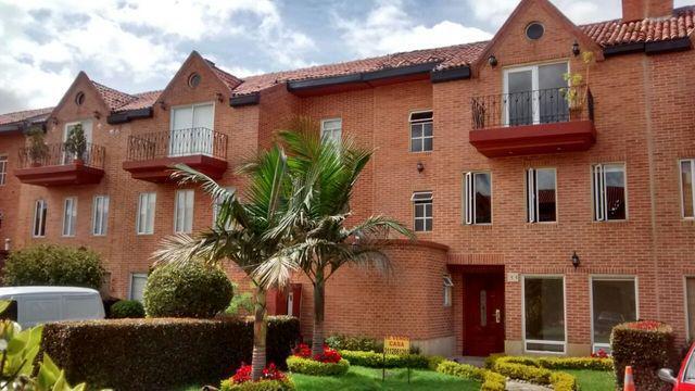 Casa renta 330 metros club house cerca a parmalac chia