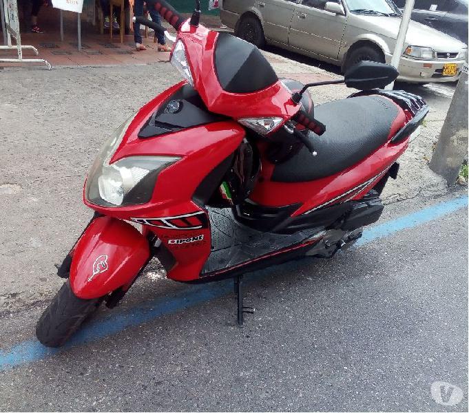 Vendo scooter jet 4