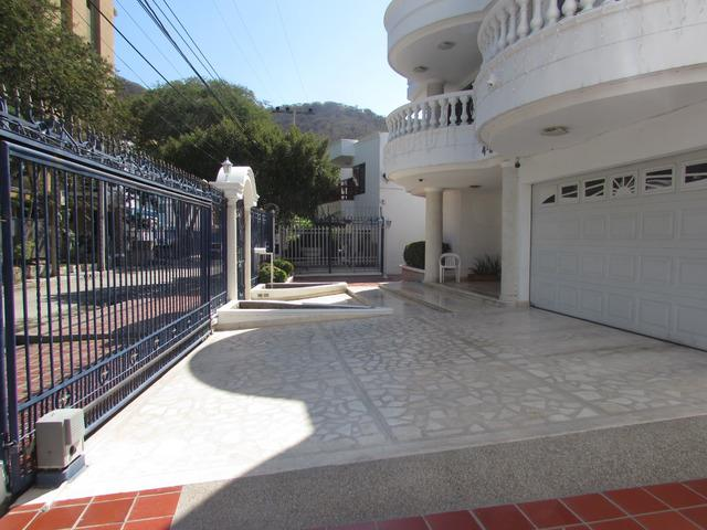 Vendo mansion en sector exclusivo del rodadero