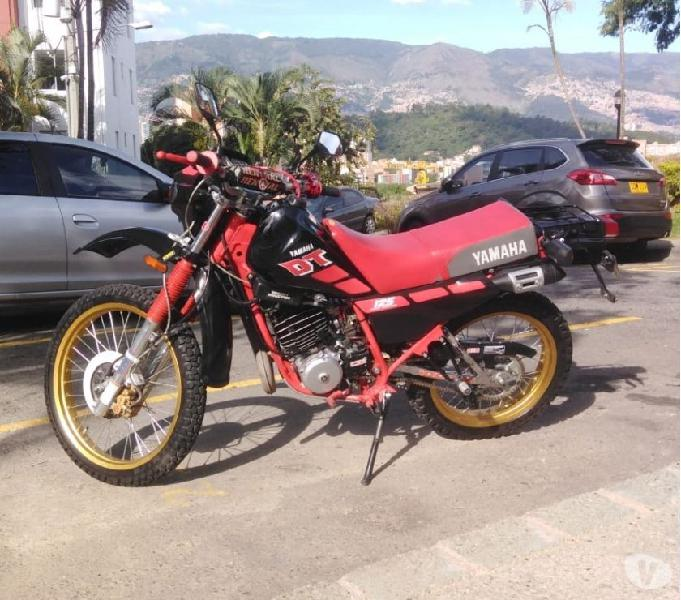 Yamaha dt 175 restaurada
