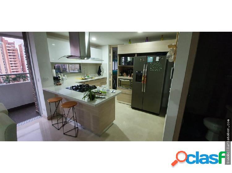 Moderno y amplio apartamento en laureles