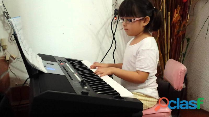Cursos de guitarra y piano para niños y adultos
