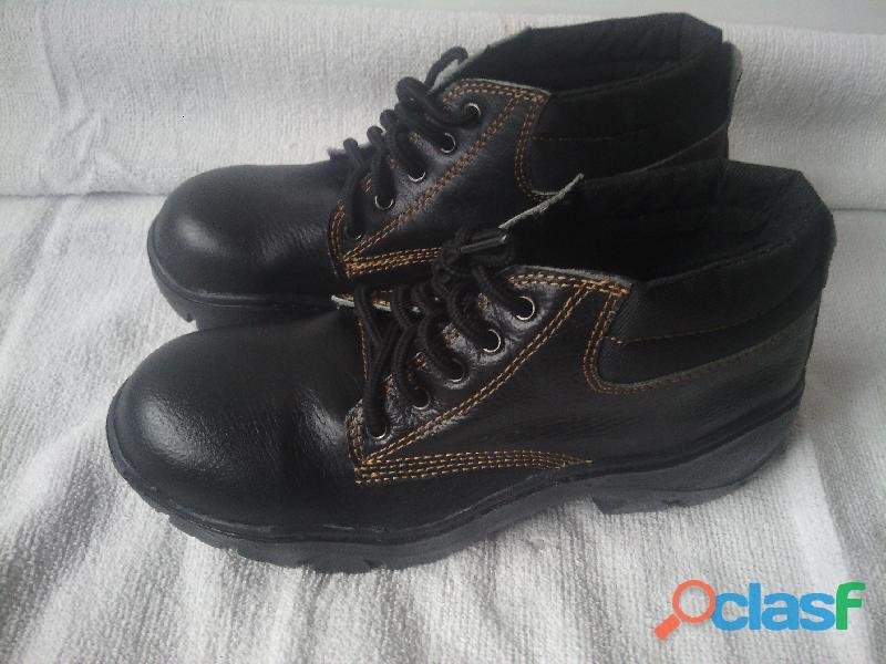 Botas punta de acero talla 39   40