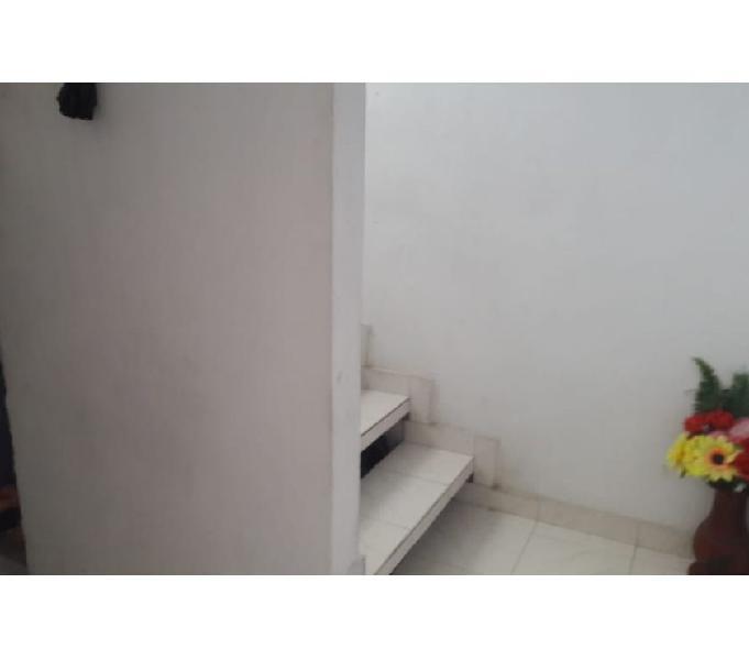 Los robles, casa en buen sector con 144 mt2