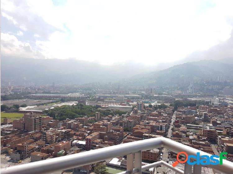 Nuevo y con vista panorámica apartamento en itagüí