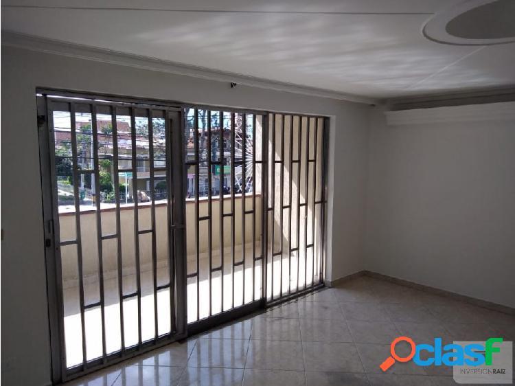 Vendo casa 2do piso calasanz parte baja