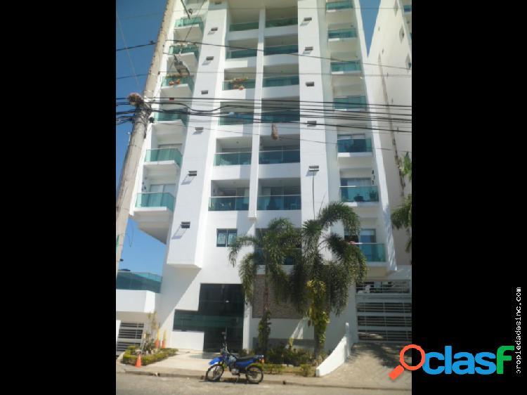 Se arrienda apartamento en el edificio torre 951