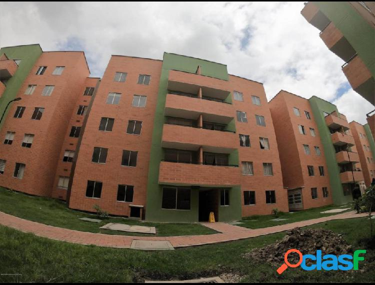 Vendo Apartamento Julio Caro IC MLS 19-686