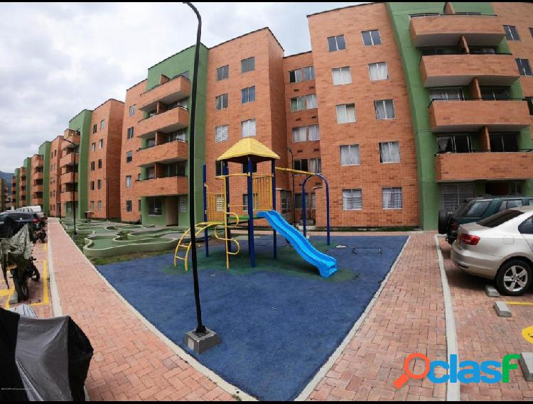 Vendo Apartamento La Arboleda IC MLS 19-727