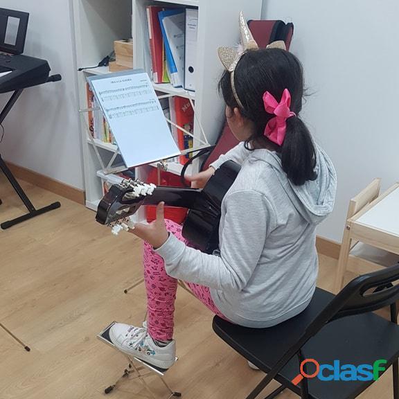 Cursos de guitarra y piano para niños 2020