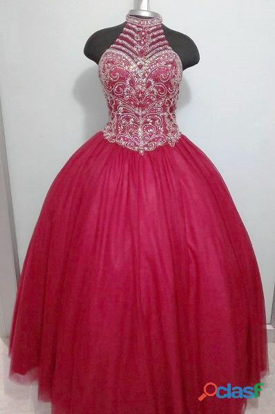 Alquiler de vestidos ref 1842 vino tinto para quince años incluye corona y tacones