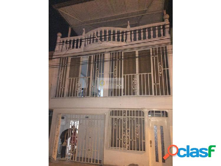 Vendo casa bifamiliar b/ aguablanca (cj)