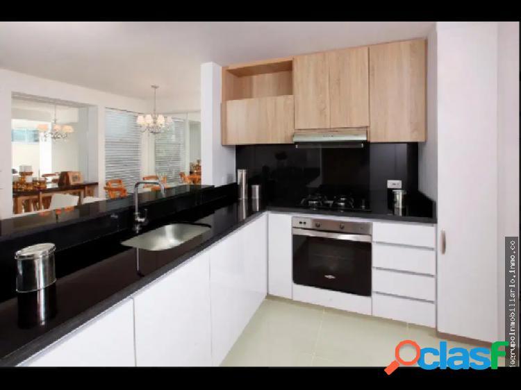 Se vende apartamento en quintas de don simon