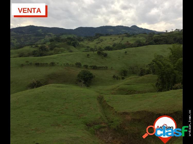 Finca de 70 ha a 6 km de la vía duitama- charala