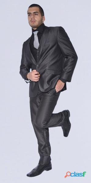 Alquiler de trajes elegantes de hombre para toda ocasión fgred