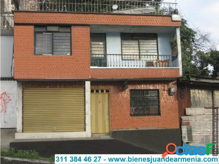 Casa de 3 pisos-260mt²-6 alcobas-terraza