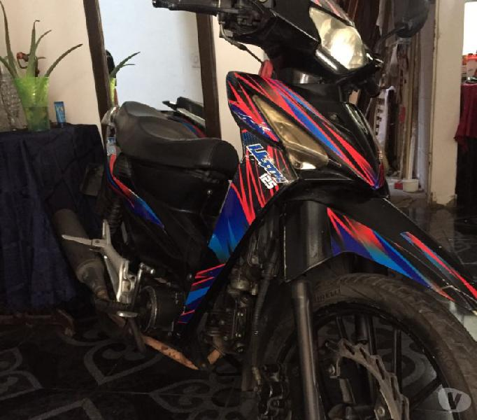 Vendo moto akt flex 125 por motivo de viaje
