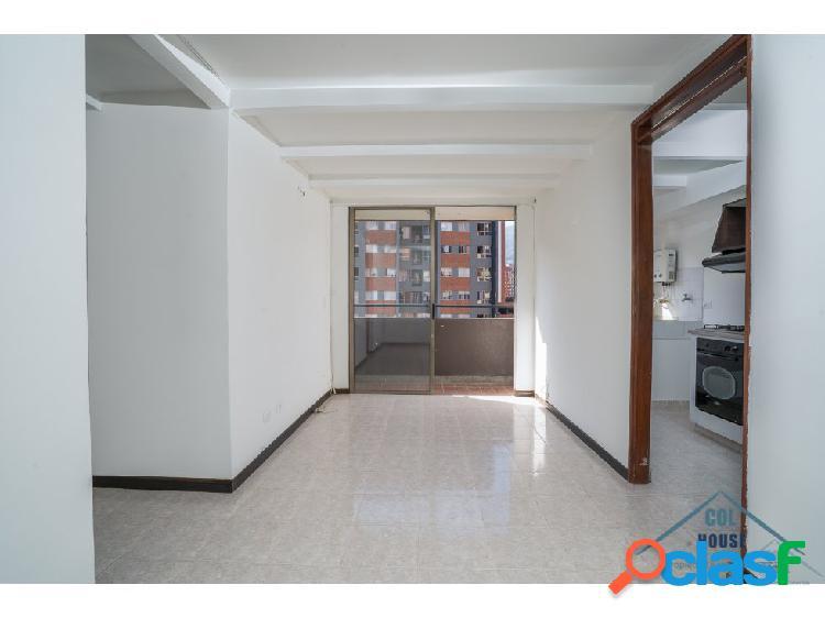 Venta de apartamento para remodelar en los colores
