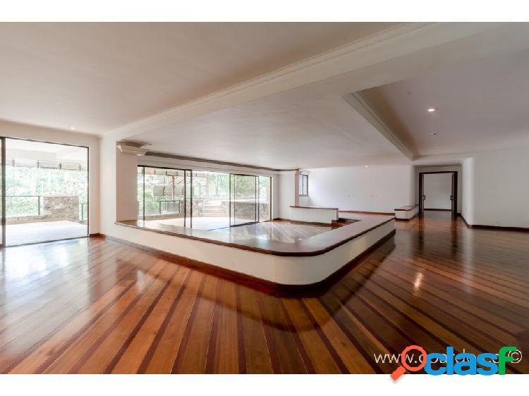 Apartamento con piscina privada tv. inferior