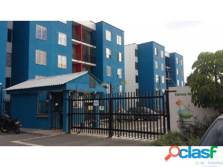 Se alquila apartamento torres de poblado palmira