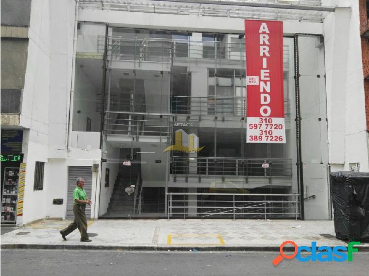 RENTO HERMOSO LOCAL COMERCIAL EN EL CENTRO