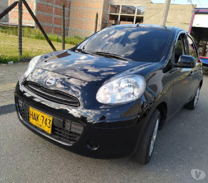 NISSAN MARCH DRIVE 5P negro