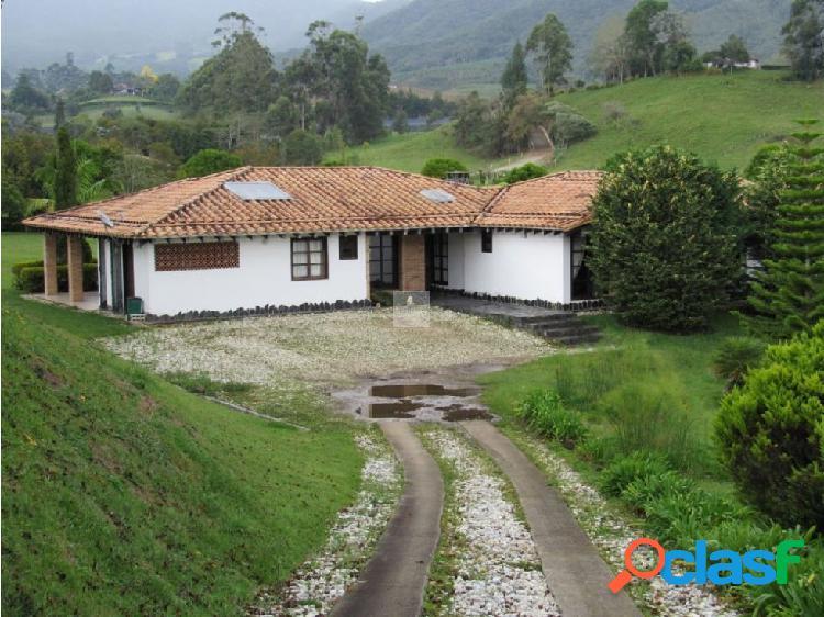 Venta casa campestre canada, carmen viboral 320 m2