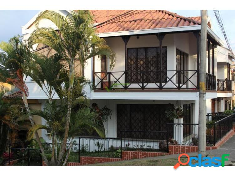 En venta hermosa casa sector corales, pereira