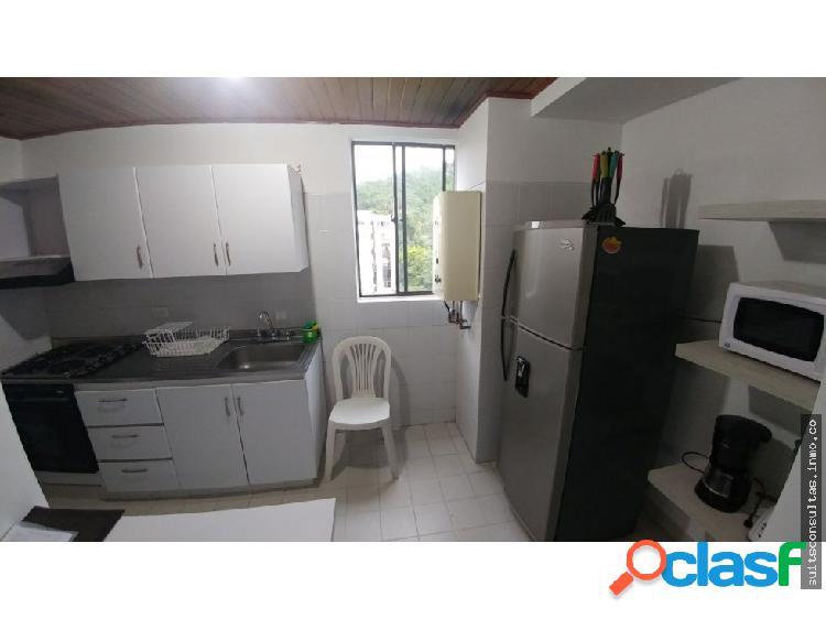 Se renta apartamento en pinares