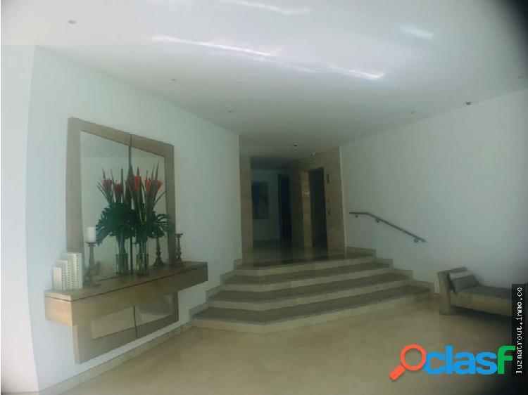 Bellisimo apartamento en venta en piso alto