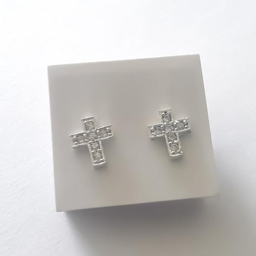 Es mas que Puñalada Fiordo  Aretes topos cruz en plata ley 925 para bebe niña o mujer en Colombia |  Clasf moda-y-accesorios