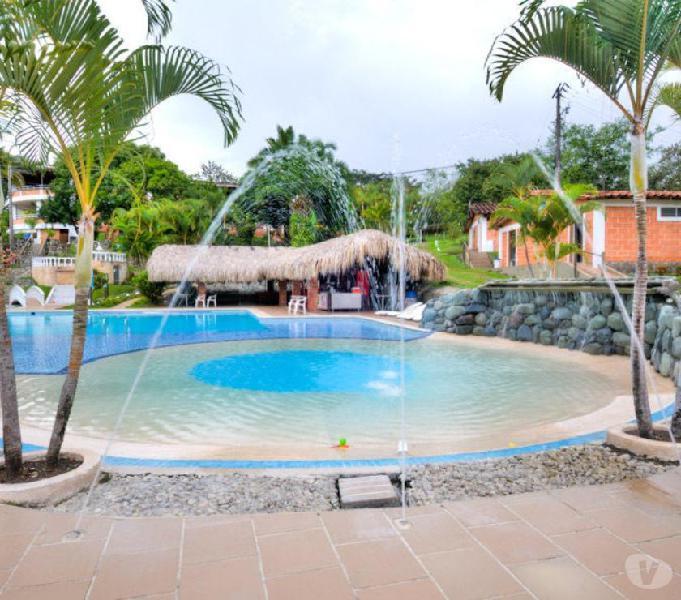 Encantadora finca con piscina privada en melgar