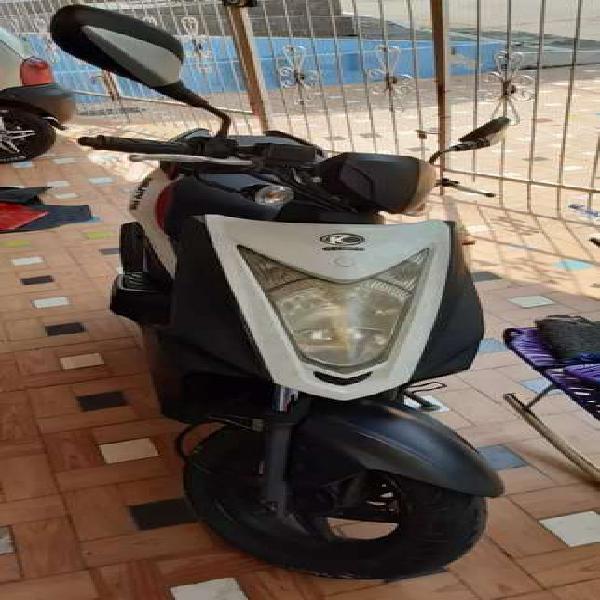 Se vende moto agility 2013
