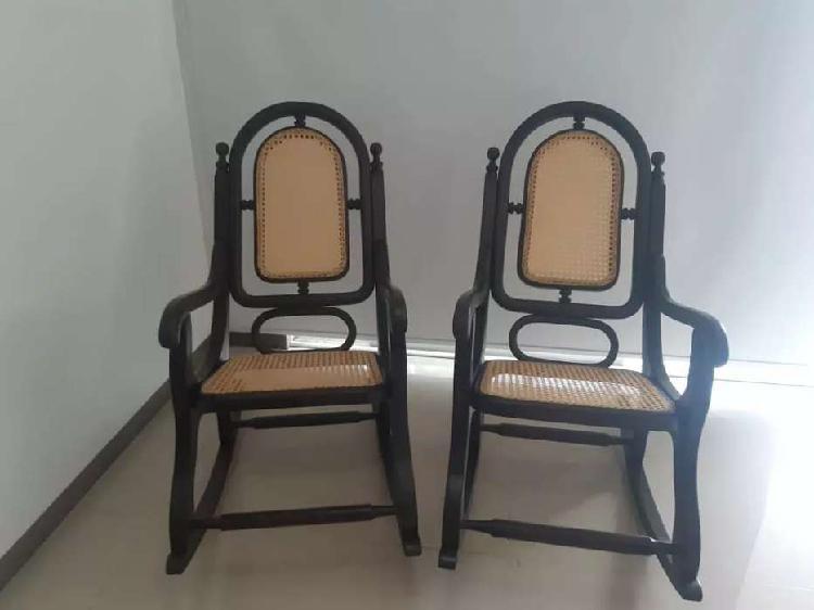 Sillas mecedoras mueble madera y mimbre