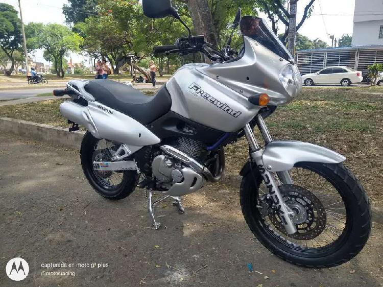 Suzuki freewind 650 2005